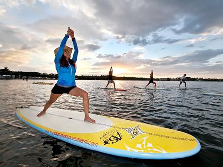 yoga-paddleboard